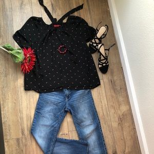 Elle- large size black and red blouse